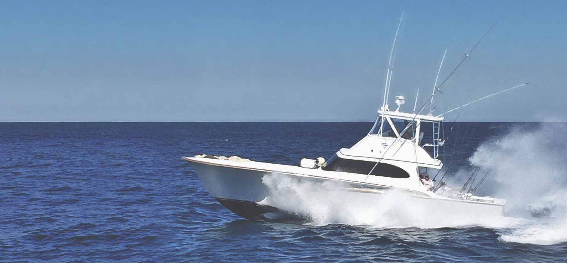 J hook luxury fishing chartersavailable fishing charters for Sport fishing charters
